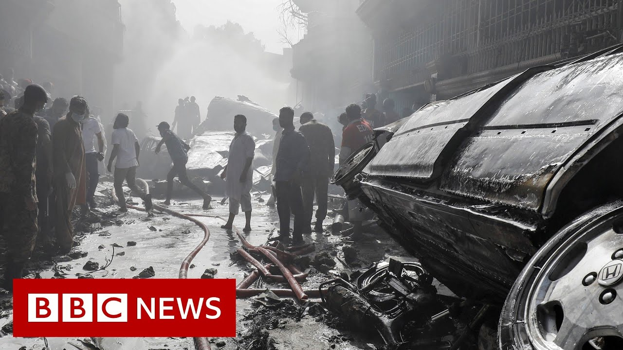 Pakistan International Airlines passenger plane crashes in Karachi - BBC News