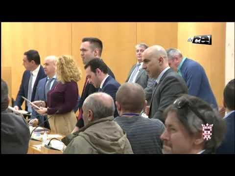 Bronca con duros insultos entre el partido Caballas y Vox en la Asamblea de Ceuta