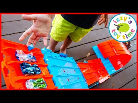 Cars for Kids! HOT WHEELS RACE CRATE! Outside Pretend Play With Izzy's Toy Time