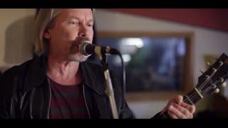 J. Karjalainen - Mennyt Mies (virallinen musiikkivideo)