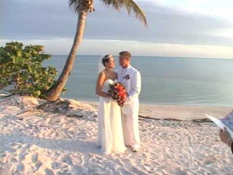 beach-wedding-of-scott-&-iris