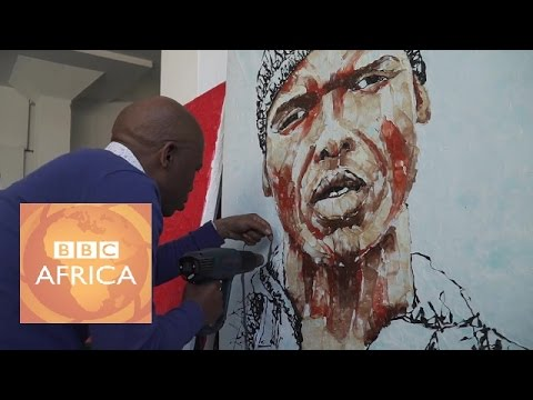 The artist who 'paints' with recycled plastic