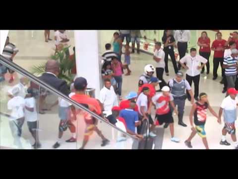 Rolezinho no shopping Metrô Itaquera