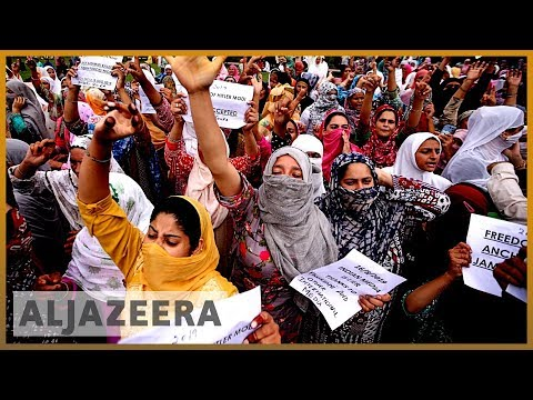 Kashmir: India begins to reduce restrictions