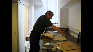RBGE Herbarium: Packing Specimens for Loan