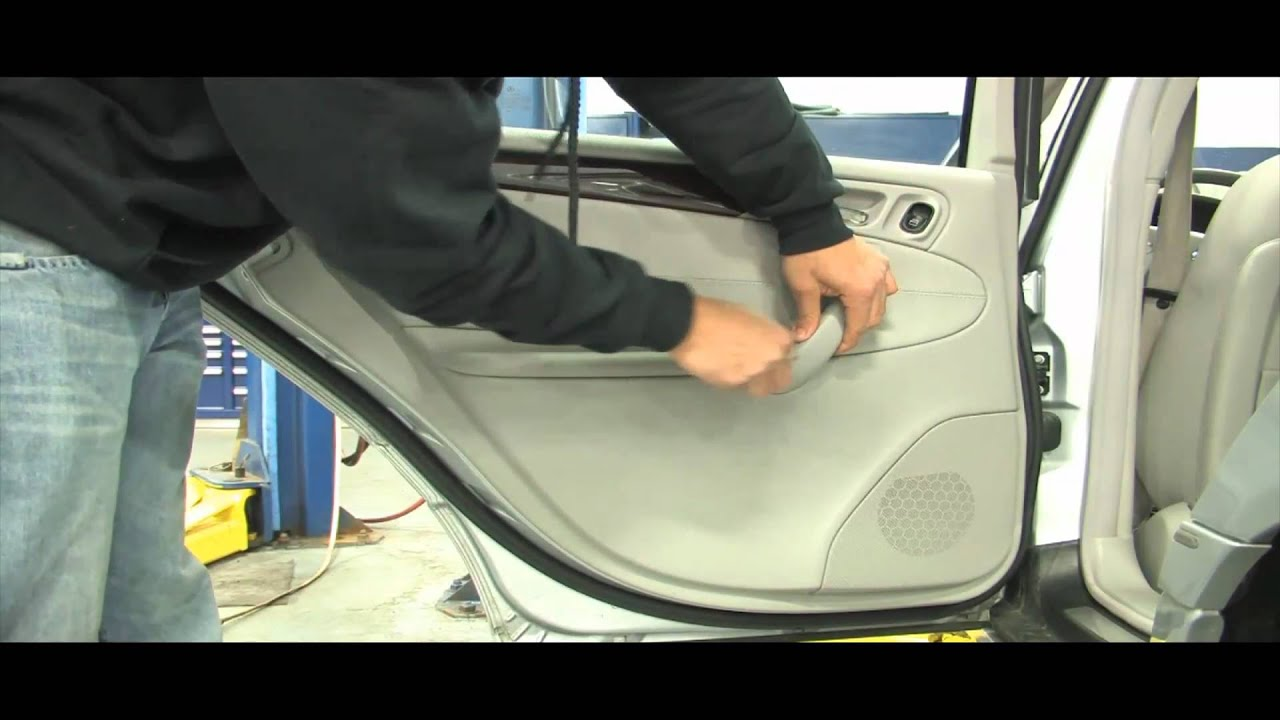 BENZWERKS C-CLASS REAR DOOR PANEL REMOVAL