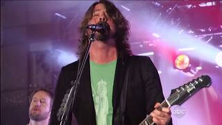 Foo Fighters & John Fogerty  - Fortunate Son (Creedence Clearwater Cover)