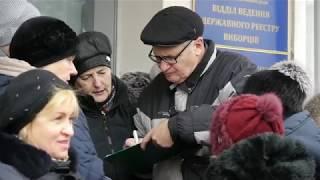 Коростенці почали збір підписів за відставку мера Москаленка та відкликання нардепа Арешонкова