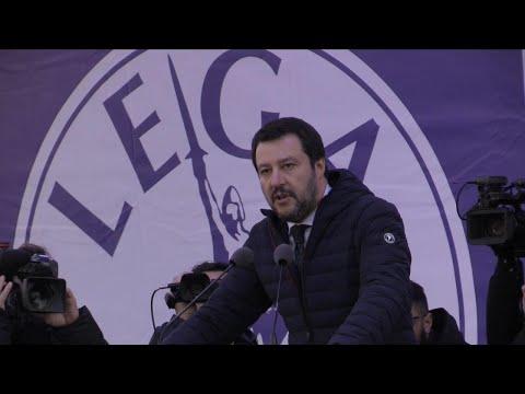"""Milano, Salvini in piazza cita Pasolini: """"Anticomunismo arma di distrazione"""""""
