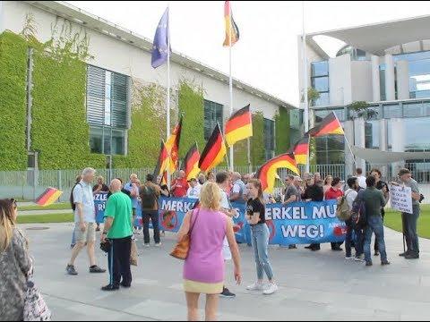 VOR ORT AKTUELL - MERKEL-MUSS-WEG-MITTWOCH VOM 23MAI IN BERLIN - MITTE MIT DETLEV FRYE