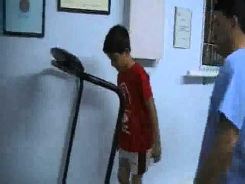 Estudio biomec nico de la pisada en futbolista de corta edad youtube - Estudio biomecanico de la pisada ...