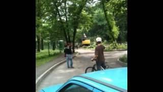 Дорога, парк Горького, Харьков.MOV(, 2010-05-21T18:59:54.000Z)