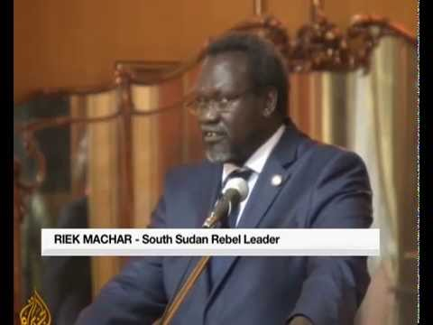 South Sudan: Kiir and Machar sign peace deal