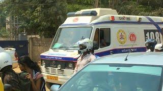 Bangalore India 108 Ambulance Responding Stuck At Railroad Crossing