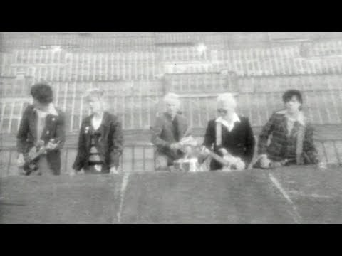 "Die Toten Hosen // ""Hier kommt Alex"" [Offizielles Musikvideo]"