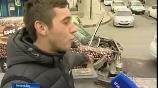 ДТП на ростовской набережной: легковушка влетела в Петровский фонтан