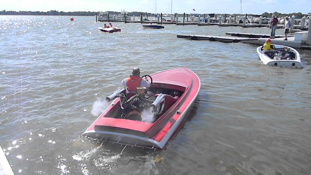 Fascinatingly Cool Flat bottom Classic Race Boat Powered by a V8 Engine