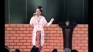 """Lagu """"Pancasila Rumah Kita"""" ciptaan almarhum Franky Sahilatua, oleh Lea Simanjuntak"""