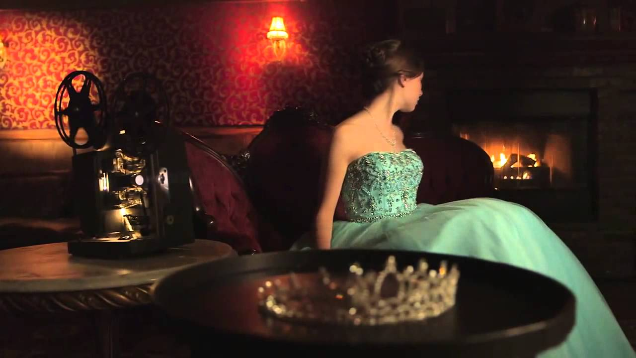 Download THE HEIR by Kiera Cass   Official Book Trailer