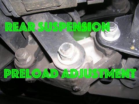 Rear suspension preload adjustment on Kawasaki Vulcan 900