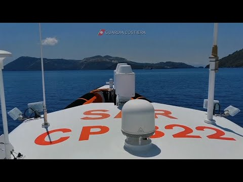 Avistan ocho cachalotes cerca de la isla italiana de Lipari