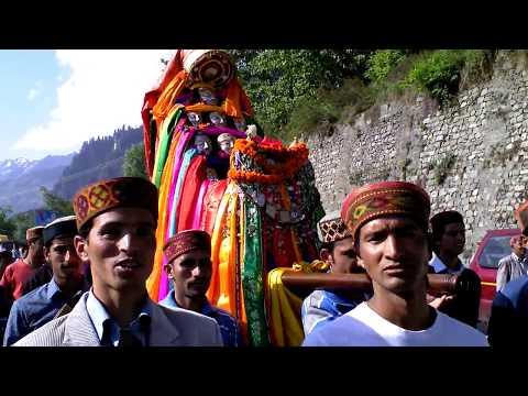 Vashisht Devataa visits Hadimba Devi at Dhungri, old Manali (20120516).