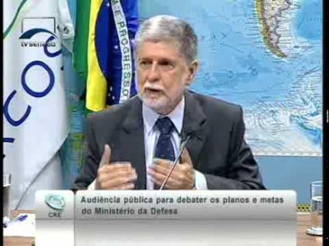 O ministro da Defesa, Celso Amorim, apresenta projetos e iniciativas desenvolvidas pelo ministério