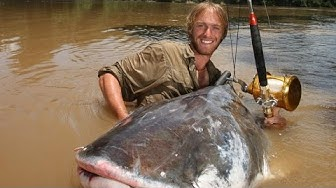 Giant catfish Mekong River ThaiLand - FISH MONSTER HUNTING