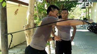 Sederhana Tapi Sehat,Raimas Polres Pamekasan Latihan Mukul Pakai Ban Bekas