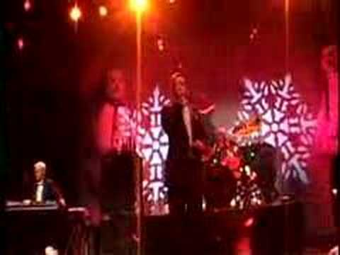 The Vandals - 'A Gun for Christmas' (Live Clip)