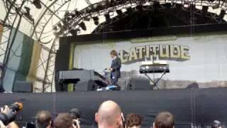 Thom Yorke goes on stage @ Latitude 2009