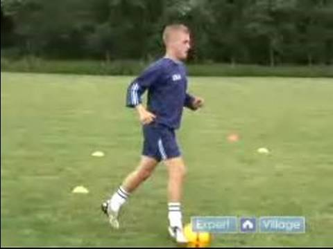 How to Dribble a Soccer Ball : How to Control a Soccer ...