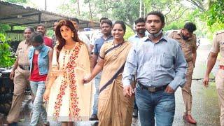 Crime Banch Arrives At Shilpa Shettys Residence To Arrest Her In Raj Kundra Case