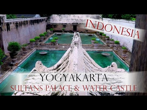 BACKPACKING INDONESIA - YOGYAKARTA TRAVEL GUIDE - World travel Vlog#82 Jogja - Java travel guide