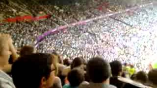 Possibly The Worlds Best Mexican Wave!!! (INSANE!)