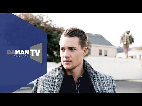 DA MAN TV - Interview with Alexander Dreymon