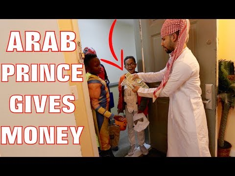 ARAB PRINCE GIVES MONEY TO TRICK OR TREATERS!!!!