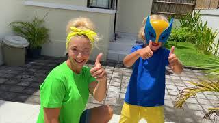 Лев и папа придумали новую игру про супергероя