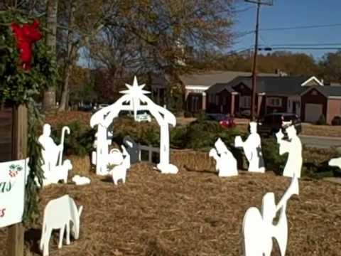 how to make an outdoor nativity scene