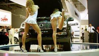 Go-Go girls show | Sexy dance | Московский автосалон девушки
