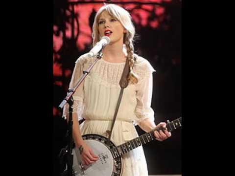 Taylor Swift Full Biography
