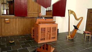 Henk van Zonneveld plays Bach on a Witteveen box organ.wmv