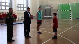 Дмитрий Скриванов вручил курсанту Пермского суворовского военного училища новую камеру