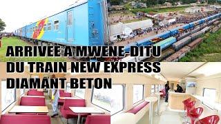 Nouveau train Diamant Béton à Mwene-Ditu. Joie de la population,  même la journaliste est ébloui