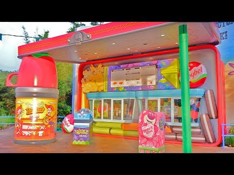 Woody's Lunch Box tour with food and beverage interview in Toy Story Land at Walt Disney World