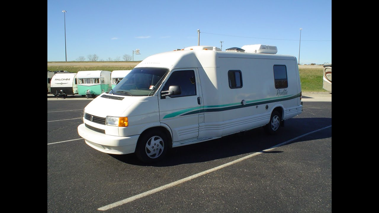 Pre-Owned 1996 Winnebago Rialta 221RC | Mount Comfort RV