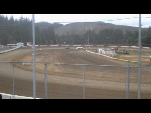 Late model heat race coos bay speedway 5/14/16