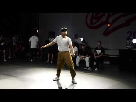 Awło Vs Shiney | Popping Final | Warsaw Challenge 2019
