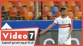 طارق حامد يرفض القفز من لوحة الإعلانات ومحمود علاء يحل الموقف