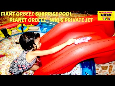 GIANT ORBEEZ Crazzzzy POOL NIKI'S Private Jet Planet Orbeez Video I Kids Backpack Surprise Toys